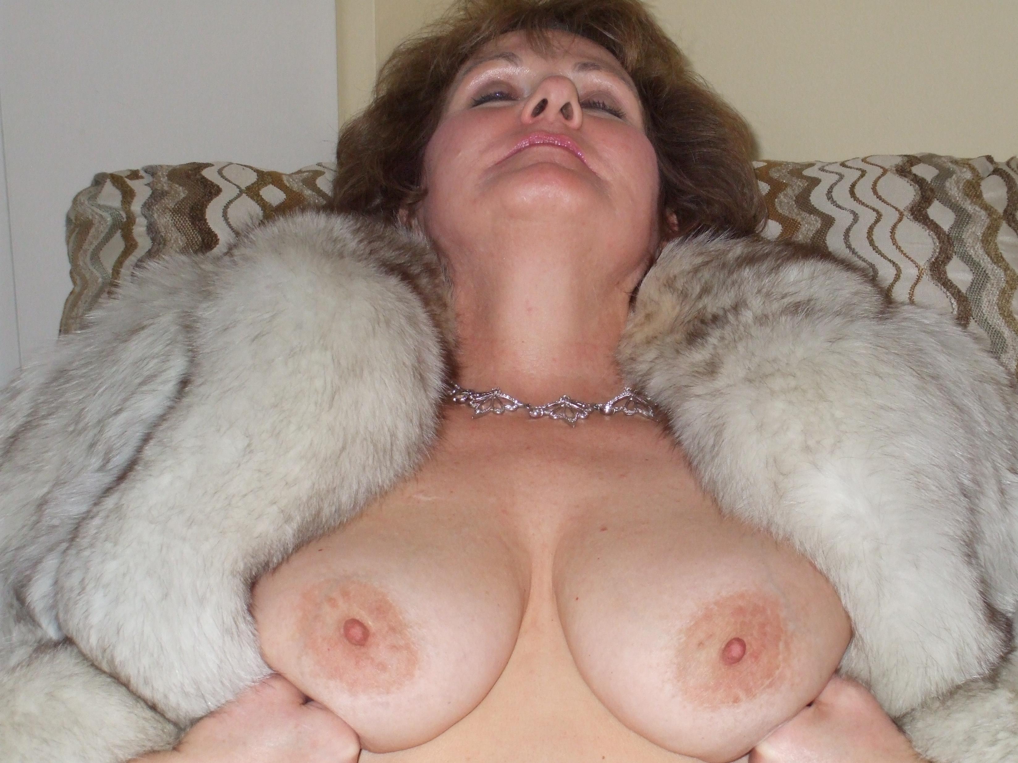 Big tits in fur